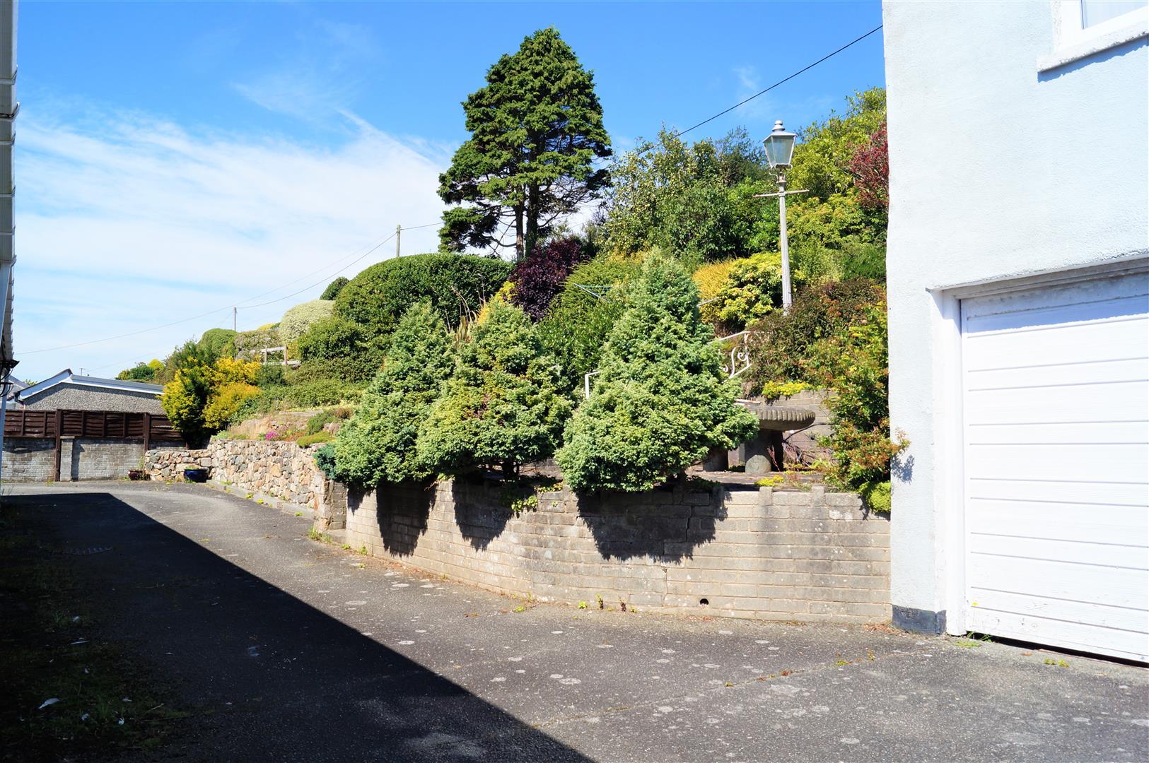 Ala Road, Pwllheli